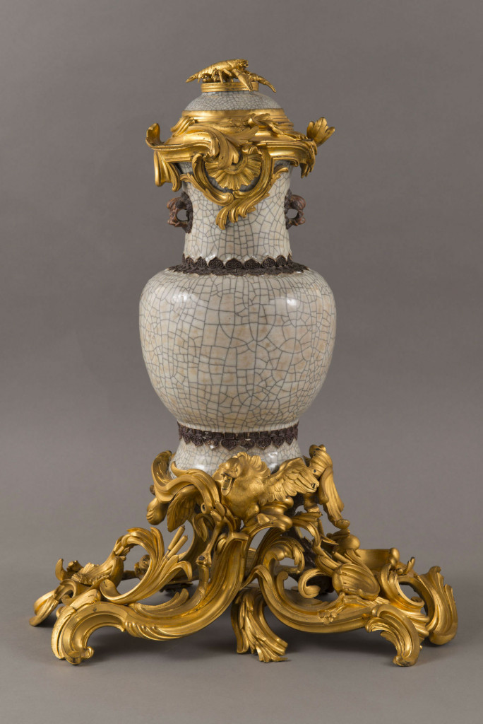 Fontaine à parfum : Porcelaine et bronze doré -Chine, début de l'époque Qianlongvers 1743-Château de Versailles